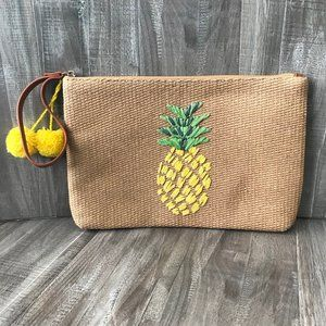🍍NWT! 🍍Old Navy Woven Straw Wristlet / Clutch☀️